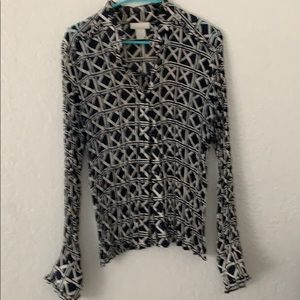 Tops - Worthington black and off white patterned blouse